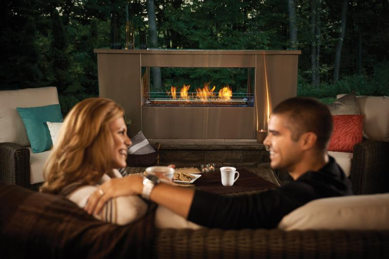 Napoleon Outdoor Gas Fireplace – Galaxy See Thru Outdoor